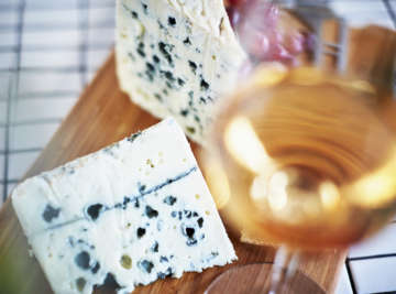 bread wine and cheese