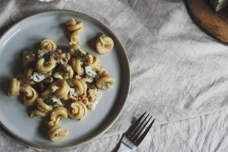 pasta with cauliflower and goat cheese