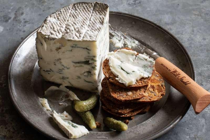 Studd Cheese Blue Goat Crackers Knife